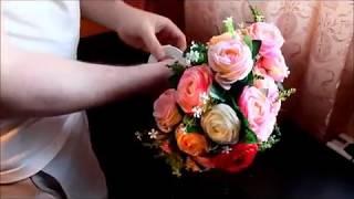 Украшение на свадебную машину своими руками.(В этом видео мы покажем Вам один из вариантов украшения свадебного автомобиля., 2014-04-13T22:41:56.000Z)