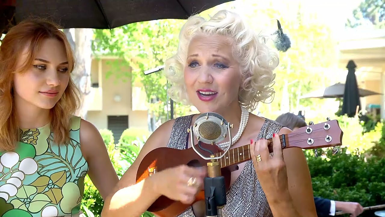 Download Gunhild Carling Live in the garden
