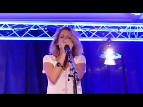 Bethany Joy Lenz - Get back to gold + Quicksand [Live Paris part. 2 FWTP3]