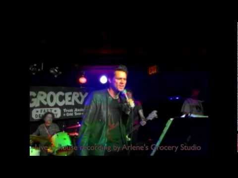 Jim Carrey sings Bullets with Butterfly Wings with Arlene's Grocery Rock 'n' Roll Karaoke Band