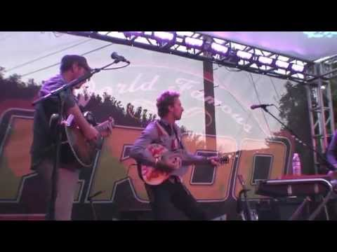 Coldplay - Don't Panic (Live at a back yard barbeque, 23 July 2008)