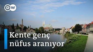Almanya'nın Görlitz kentinde genç insan kalmayınca... - DW Türkçe