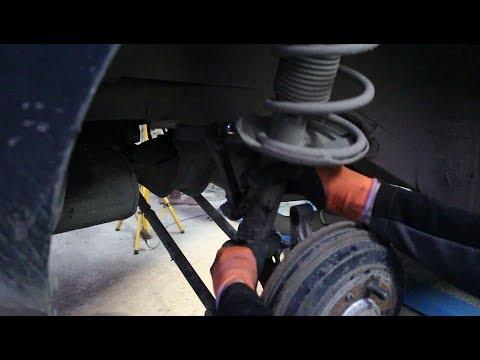 Замена задних стоек и пружин на Hyundai Elantra 2,0 Хендай Элантра 2002 года