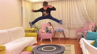 Trambolin Jimnastik. Ablam Ecrin Su Çoban İle Birlikte Evde Trambolin Kullanmanın Tadını Çıkarıyoruz