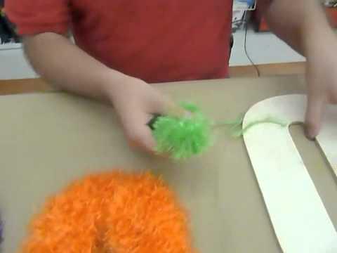 Crankin' Out Crafts -ep289 Furry Boo (Eyelash Yarn)