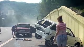 Придурки на дорогах, приколы на дороге Россия Видео АВТО ВИДЕО