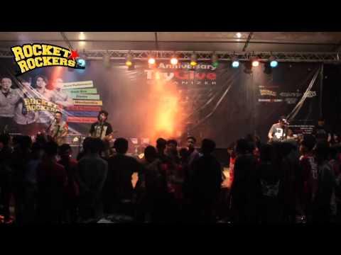 Rocket Rockers - Membaca Tanpa Mata Live at Try Give 1st Anniversary Jakarta