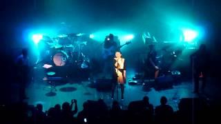 Emiliana Torrini - Nothing Brings Me Down @ Trianon 07.11.13