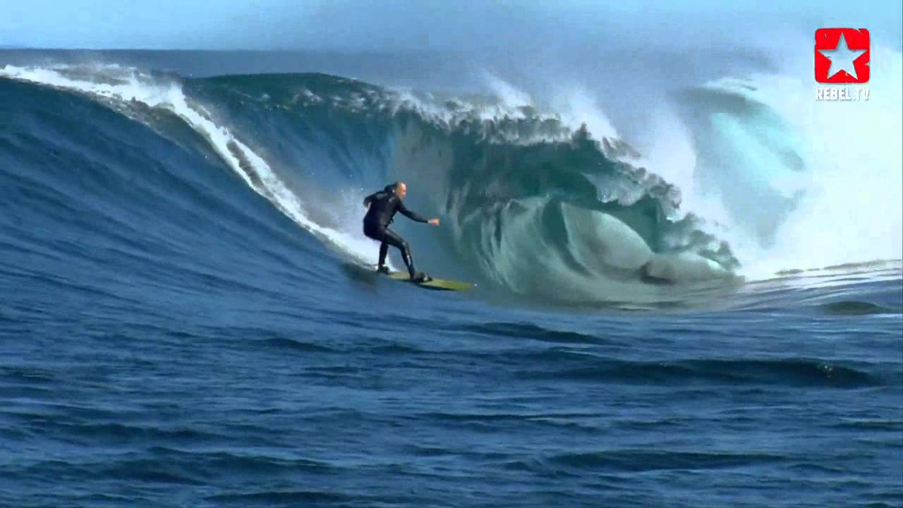 Josiah Schmucker Guides Pros On Big Waves In South