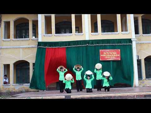 Múa LÚA MÙA DUYÊN THẮM của lớp 12A3, THPT B Duy Tiên chào mừng 20-11-2015