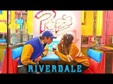 WAITING 2 HOURS FOR A MILKSHAKE?! Netflix Canada's Riverdale Pop's Pop Up Restaurant