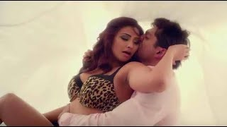 Daisy Shah Swim All Hot Best Kiss Scenes !!! (FULL HD)