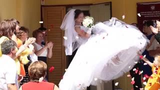 Были мы жених и невеста, а теперь стали муж и жена!