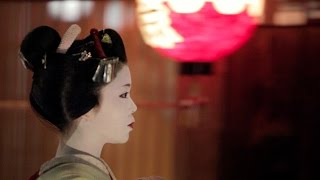 Japan: A Journey Between Tradition And Modernity