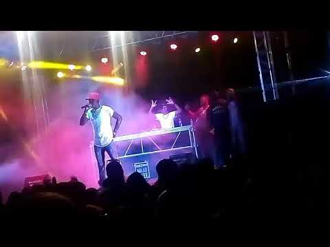 Chef 187 performing at the colour festival 2017