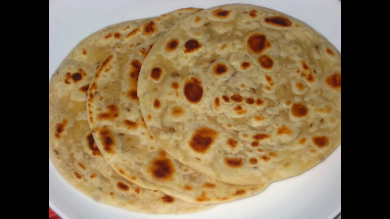 How to make soft layered Kenyan Style Chapatis - YouTube