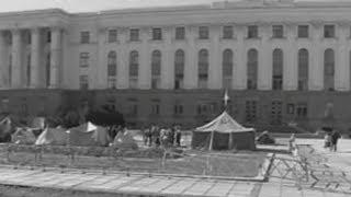 3 июля 1990 года крымские татары установили палаточный городок в Акмесджите (Симферополе)