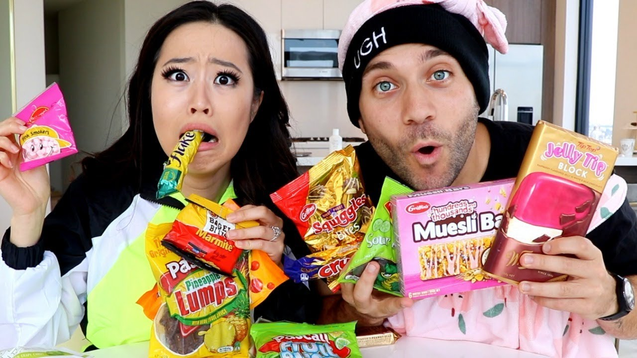 BEST MUKBANGERS TRY SNACKS FROM NEW ZEALAND with STEPHANIE SOO