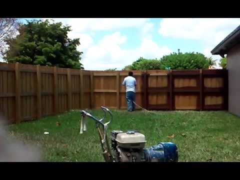 Painting The Wood Fence   How To Painting A Fence