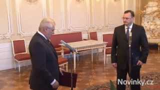 Premiér Petr Nečas (ODS) předal demisi