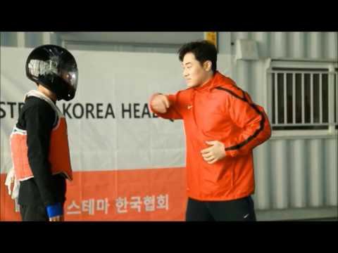 O Homem Que luta 15 artes marciais (DK YOO)