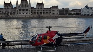 A Nagy Futam II. - Felix Baumgartner lands a RedBull Bo-105 opposite to the Hungarian Parliament