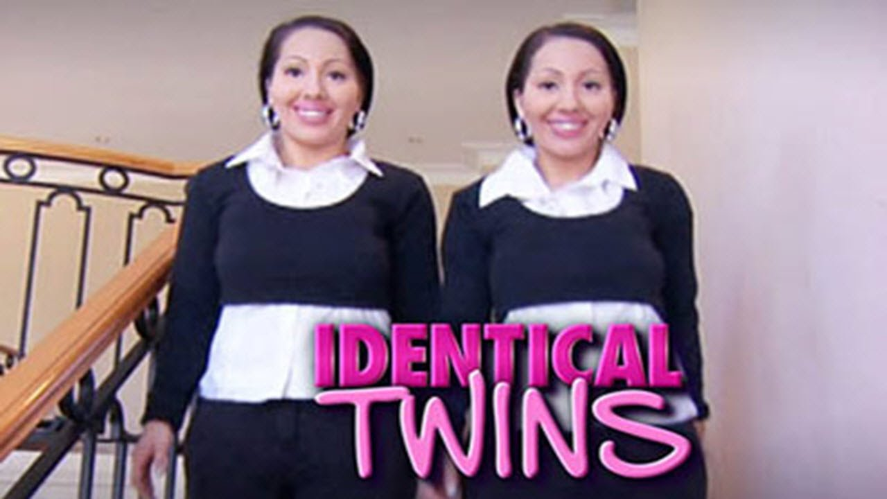 girls-adult-identical-twins-male