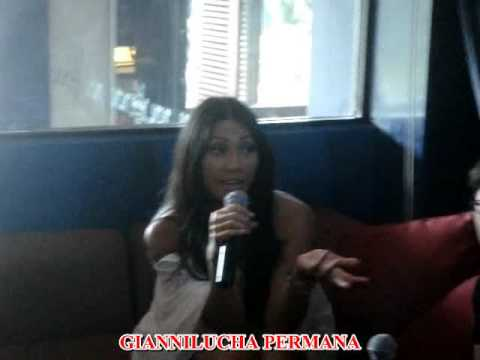 Anggun Talks About Agnes Monica (Live at Hard Rock Hotel Bali. August 7th 2009)