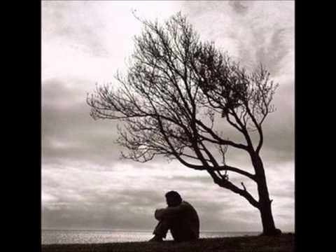 imagenes de hombre solo triste