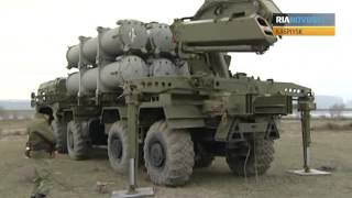 Russian Soldiers Deploy Coastal Missile System