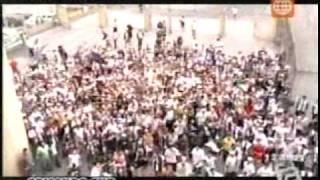 LA FIEBRE DEL FUTBOL PERUANO:  TRINCHERA NORTE VS. COMANDO SUR 13/12/09  1/2