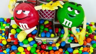 M&M's Candy Dispenser - Candy Machine Toy - ガムボールマシーン