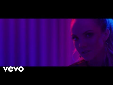 Danielle Bradbery - Worth It (Instant Grat Video)