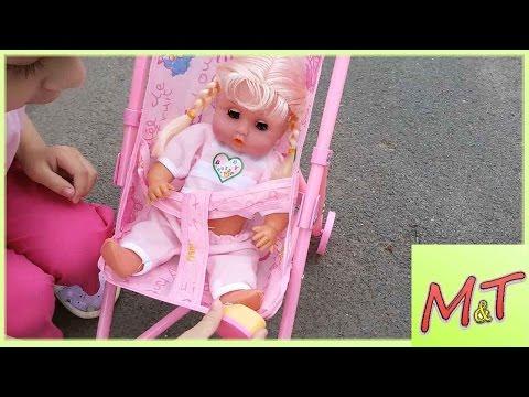 Открываем набор с пупсами и коляской. Baby Carriage. Let's go for a walk!