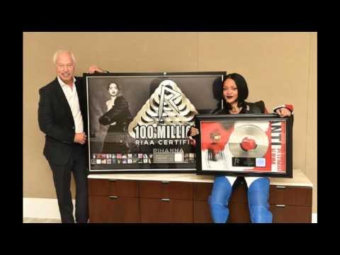 #Rhianna celebrates 100 MILLION copies sold #RIAA certified plaque! #ANTI album is Platinum!