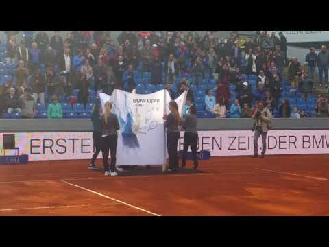 Tommy Haas receives special gift in Munich