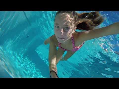Carla Underwater - Talking underwater and swimming