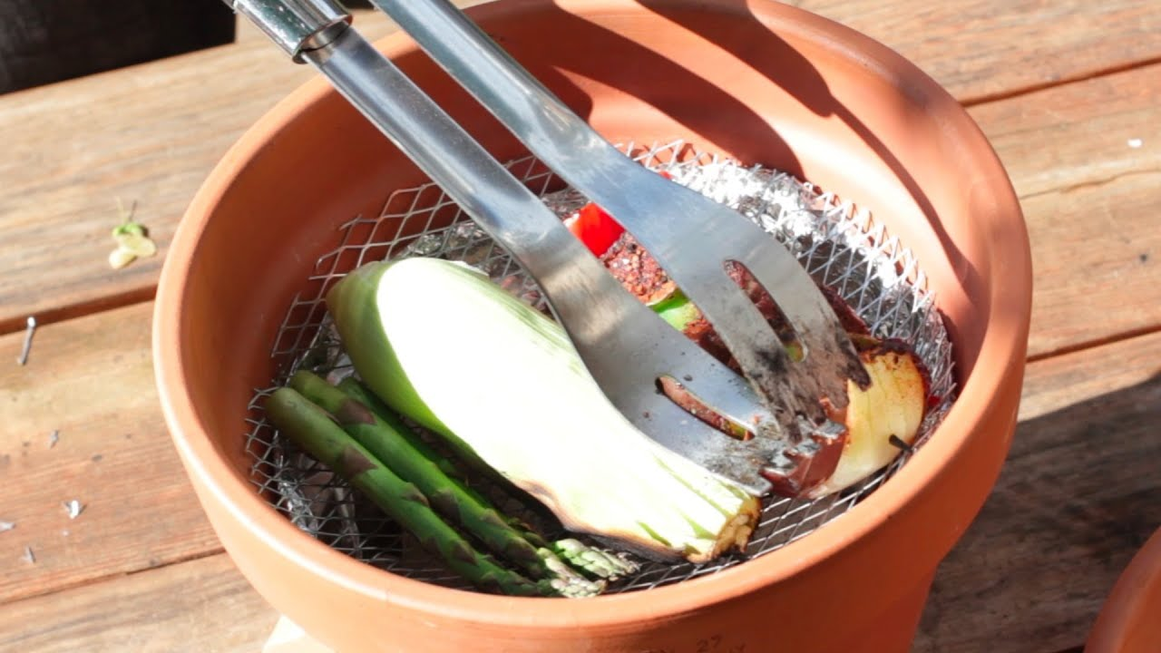 Improvised terracotta grill become a bbq champion youtube - Why you should cook clay pots ...