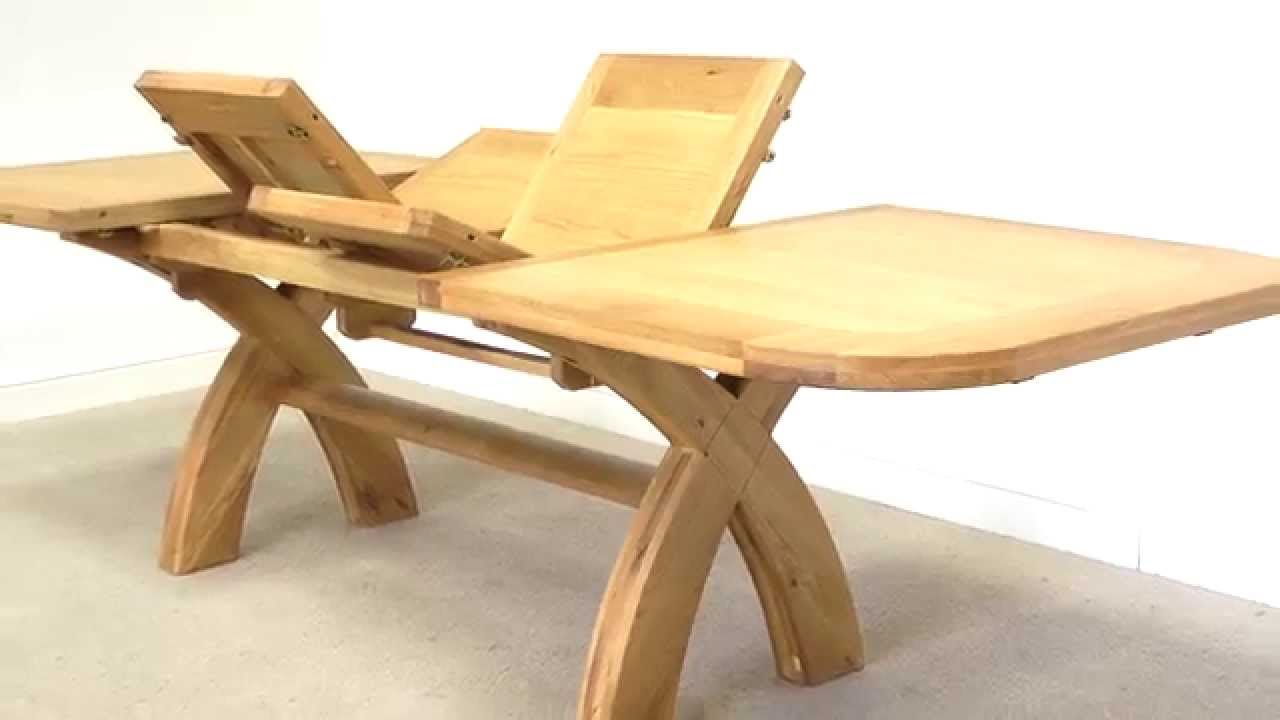 Country Oak 1.8m   2.3m   2.8m Butterfly Extending Oval Dining Table