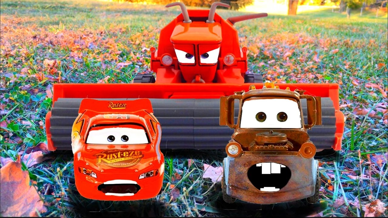 Disney Pixar Cars Lightning Mcqueen And Mater Tractor Tipping