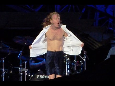 AC/DC - THE JACK (+Angus Young Strip) - Berlin 22.06.2010 (