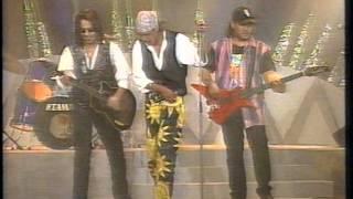 Download Lagu Wings Dan Hattan - Dia (1994) LIVE mp3