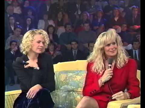 "1993 Marcy WALKER and Linda EVANS in the French Jean-Pierre Foucault's show ""Sacrée Soirée"""