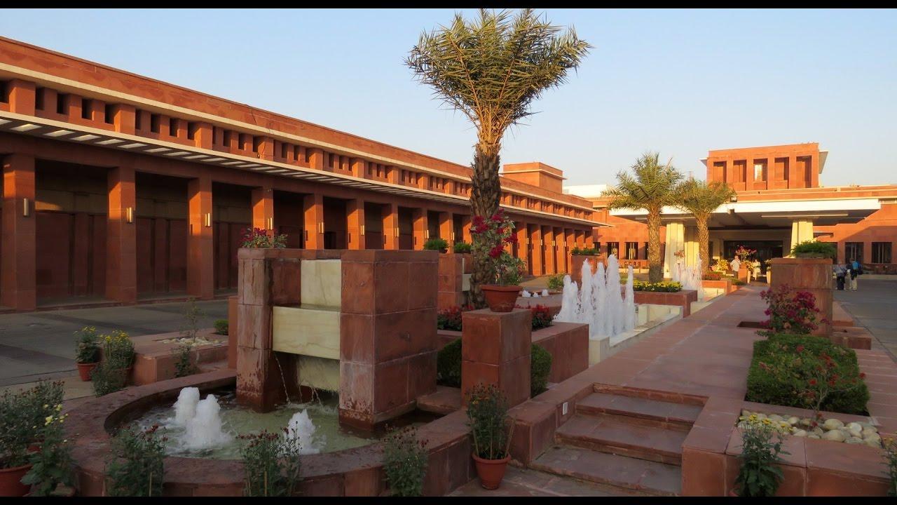 India - Uttar Pradesh - Agra - Jaypee Palace Hotel & Convention Centre - YouTube