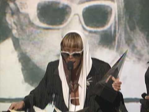 Mary J. Blige Wins Favorite Soul/R&B Album For