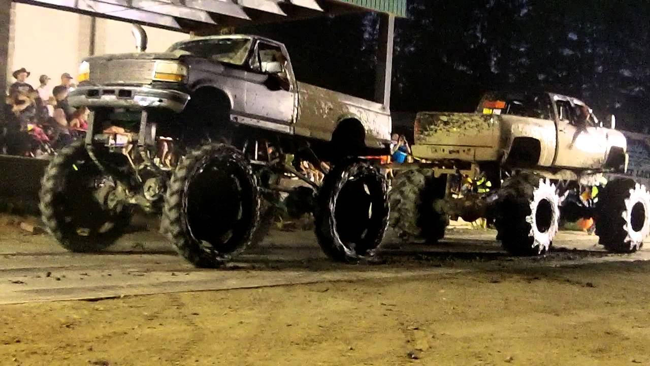 ford vs chevy monster truck pull off youtube. Black Bedroom Furniture Sets. Home Design Ideas