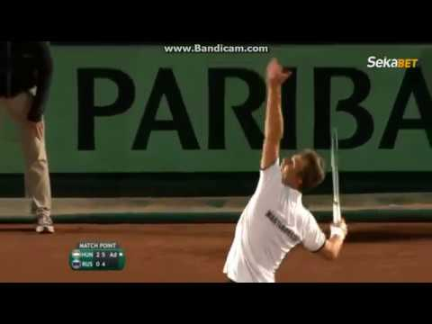Hungary beats Russia to enter Davis Cup World Group