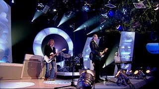 Status Quo - The Party Ain't Over Yet TOTP 18-9 2005