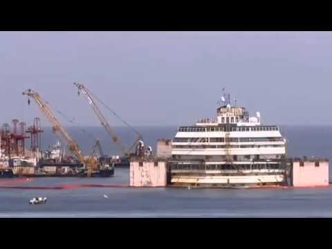 Xác tàu nửa tỷ USD nổi lên từ đáy biển