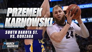 Gonzaga's Przemek Karnowski scores 10 points against South Dakota St.